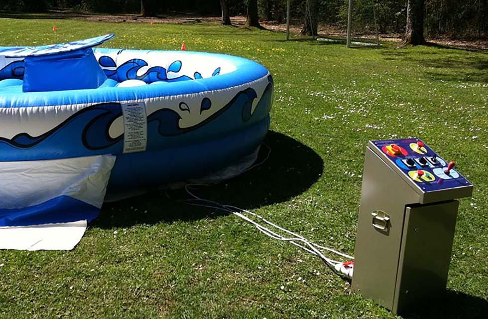 Jeu gonflable surf mécanique location anniversaire, fête et événement Catcha!